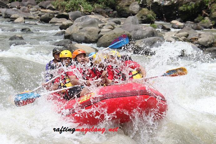 rafting sungai progo bawah magelang
